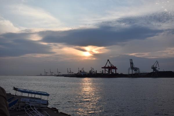 綺麗な夕日写真の撮り方と設定【作例あり】