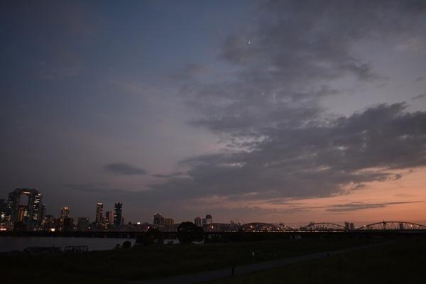 夕日写真河原