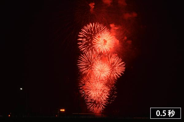 シャッター時間の短い花火写真