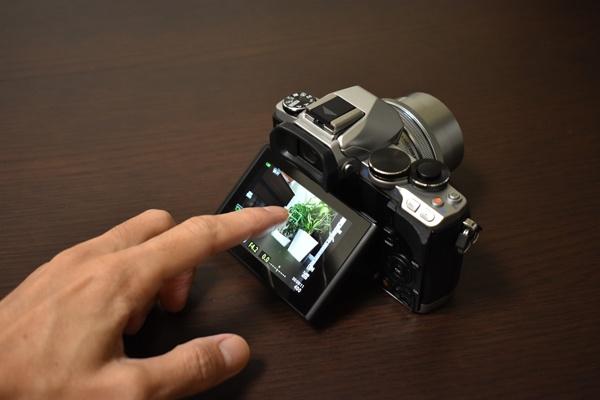 タッチシャッター対応カメラ