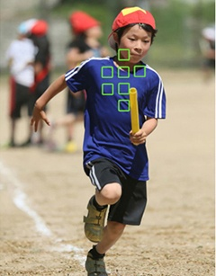 動く子供をAF-Cモードで撮影