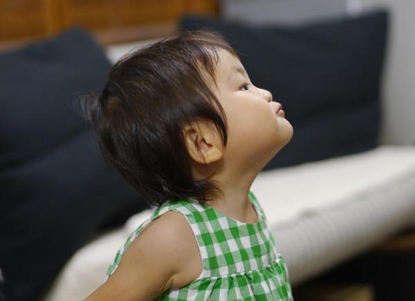 子供撮影単焦点レンズ室内