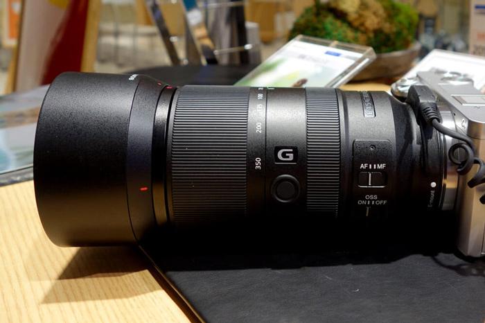 E 70-350mm F4.5-6.3 G OSS-SEL70350G外観写真