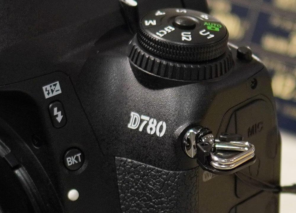 D780外観写真-ロゴ